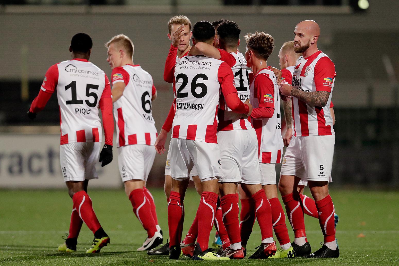 Almere City FC wordt na een uitstekende tweede helft verslagen