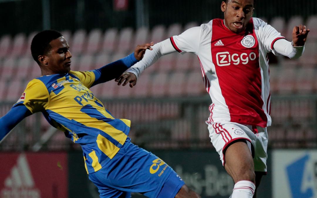 TOP Oss sluit jaar af met nederlaag in Amsterdam (2-0)