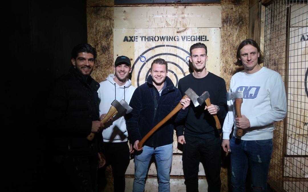 Geslaagd teamuitje bij Axe Throwing!